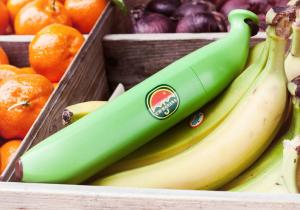 Banana Umbrella -- Cel mai sanatos mod de a te proteja de ploaie