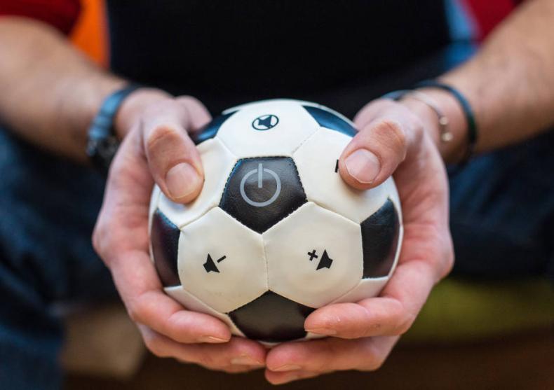 Telecomanda Fotbal 2.0 -- Pentru microbistii hardcore image