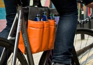 Geanta de bicicleta -- 6 pack pe doi roti!