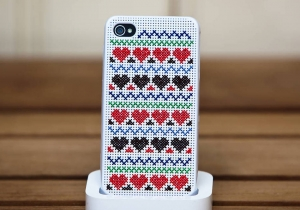 Husa Cross Stitch -- Si iPhonul tau va fi unic