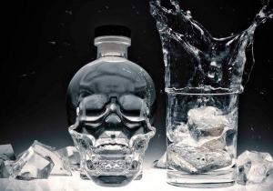 Vodka Craniu de Cristal -- Cvadruplu distilat si creat de un adevarat Ghostbuster...WTF?!
