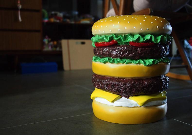 Scaunul Hamburger -- Un gigant gustos de confortabil image