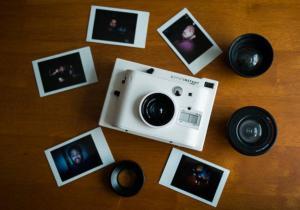 Lomo'Instant White -- Pentru fotograful din tine