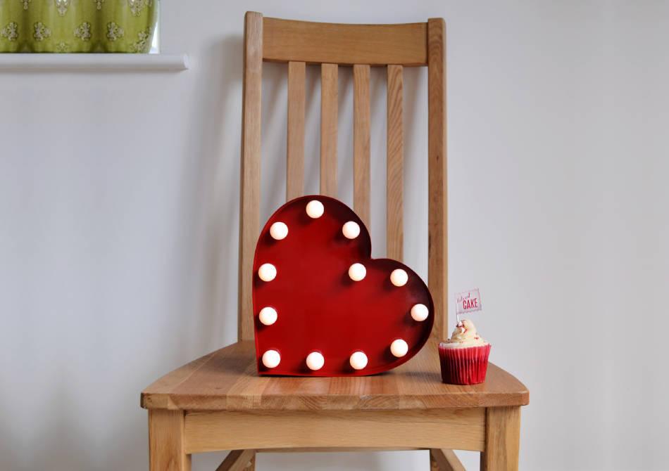 Carnival Light Heart -- Iubire shabby-chic in fiecare zi.