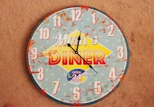 Mom's Diner -- ora de design interior incepe acum.