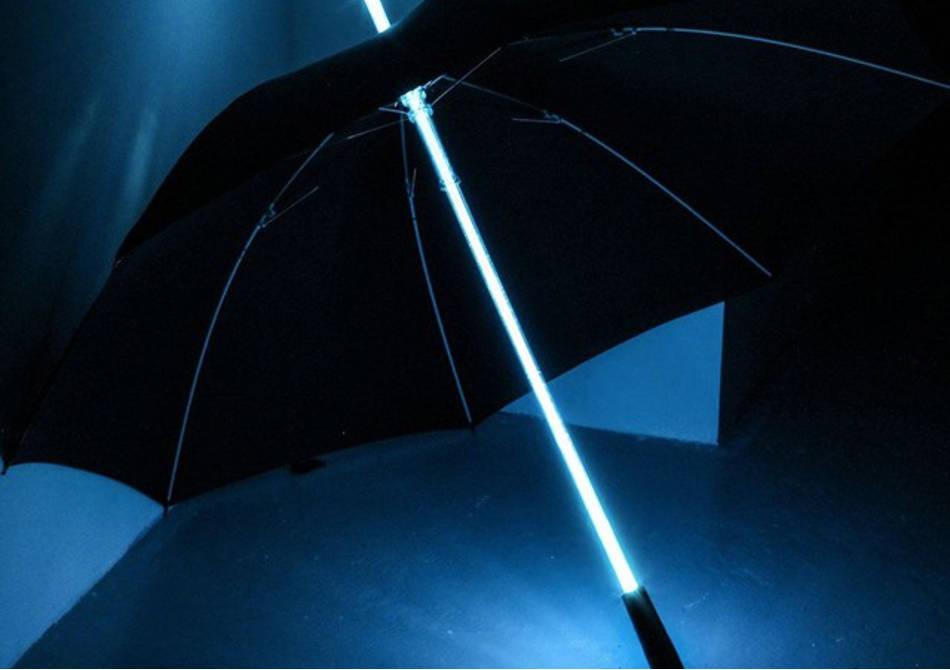 Umbrela LED -- Futuristic, ca Blade Runner
