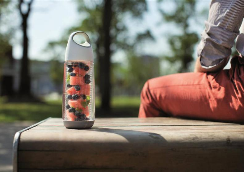 Infuzor Fructe Bopp -- o sticla de fructe fresh image