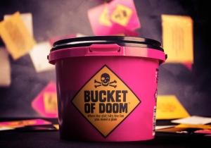 Bucket of Doom - Jocul adevaratilor supravietuitori