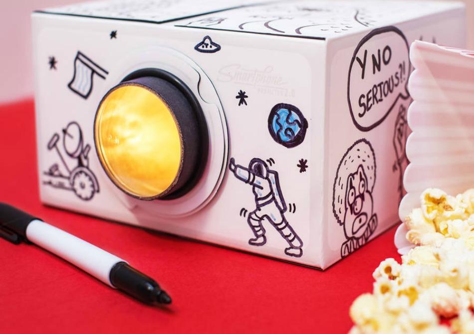 Proiector Smartphone 2.0 DIY - Personalizeaza-ti cinematograful de acasa!