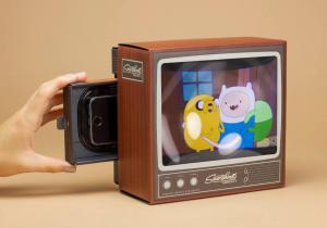 Televizor Smartphone -- Lupa viselor tale vintage