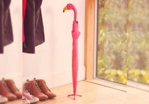 Umbrela Flamingo -- Te adapostesti sub aripi primitoare
