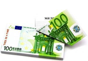Notite 100 de euro -- Asterne-ti gandurile de milionar