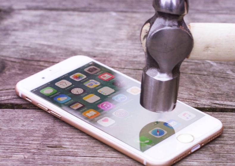 Rhino Shield iPhone -- Cea mai eficienta protectie de ecrane image