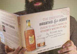 Cum sa devii expert de whiskey -- Ghidul tau pentru a deveni un atotstiutor!