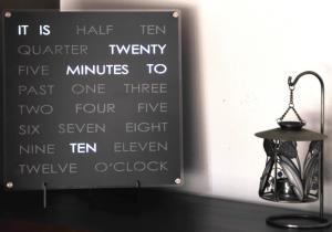 Cuvintele Timpului -- rosteste-mi cat e ceasul.