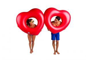 Doua inimi plutitoare -- dragoste pe apa