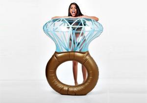 Bling Ring gonflabil  -- Vrei sa fii sirena mea?