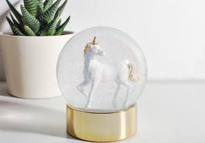 Glob unicorn -- Paradisul cristalin