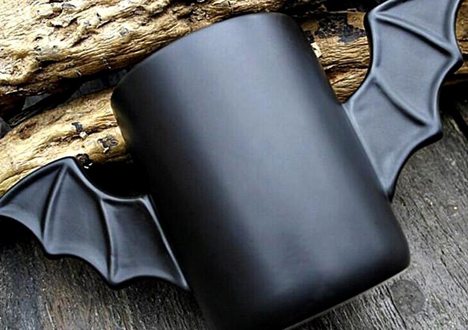Bat Mug -- Din Batcave direct pe masa ta
