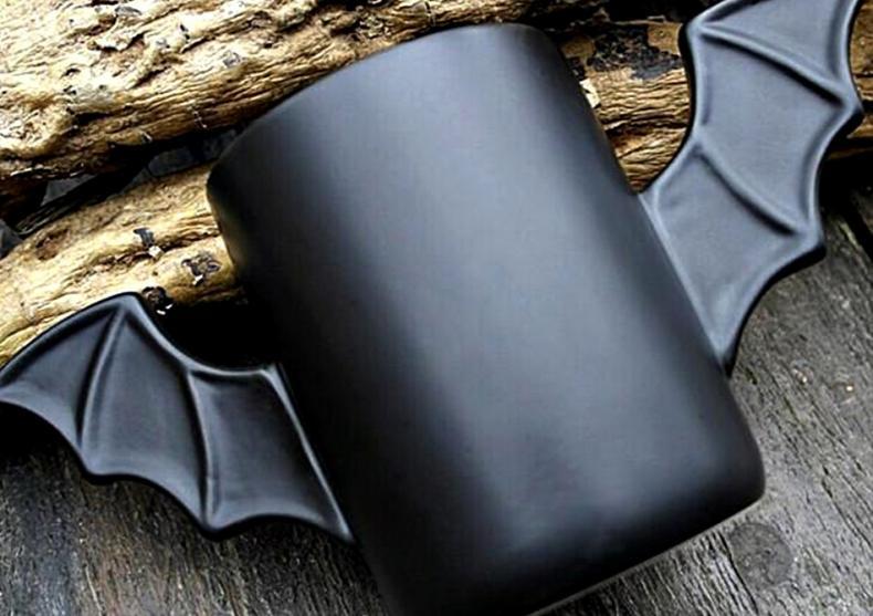 Bat Mug -- Din Batcave direct pe masa ta image