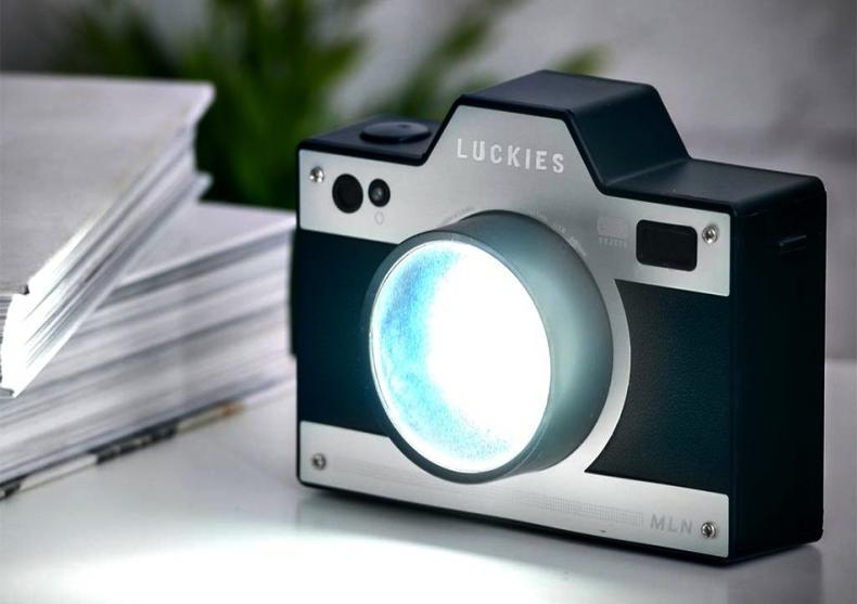 Lumina Aparat Foto -- Da, si aparatele foto pot fi veioze cand cresc! image