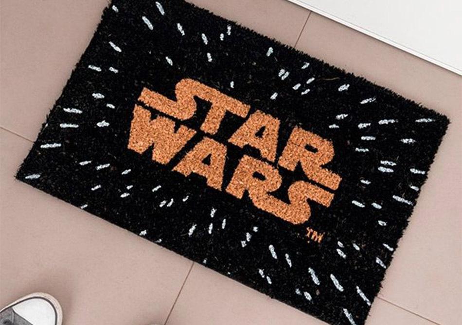 Covoras Star Wars -- Intr-o galaxie indepartata