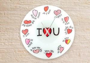 Ceasul iubirii poliglot -- Fii indragostit la orice ora