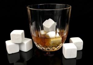 White Whiskey Stones -- Pietre pretioase pentru bautura ta