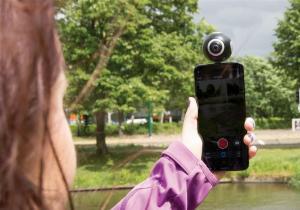 Aparat 360° Dual Lens -- Lumea-ntreaga intr-o privire