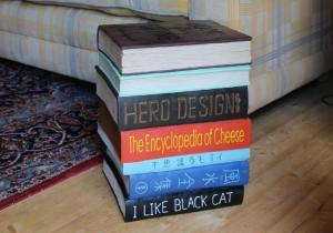 Masuta-taburet BOOKS -- Pentru un adevarat soarece de biblioteca