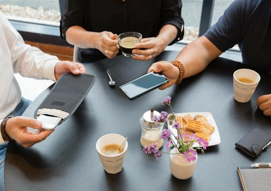Husa telefon anti-radiatii -- Cand ai nevoie de o pauza