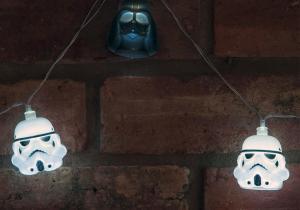 Ghirlanda Star Wars -- Pentru partea intunecata din casa ta