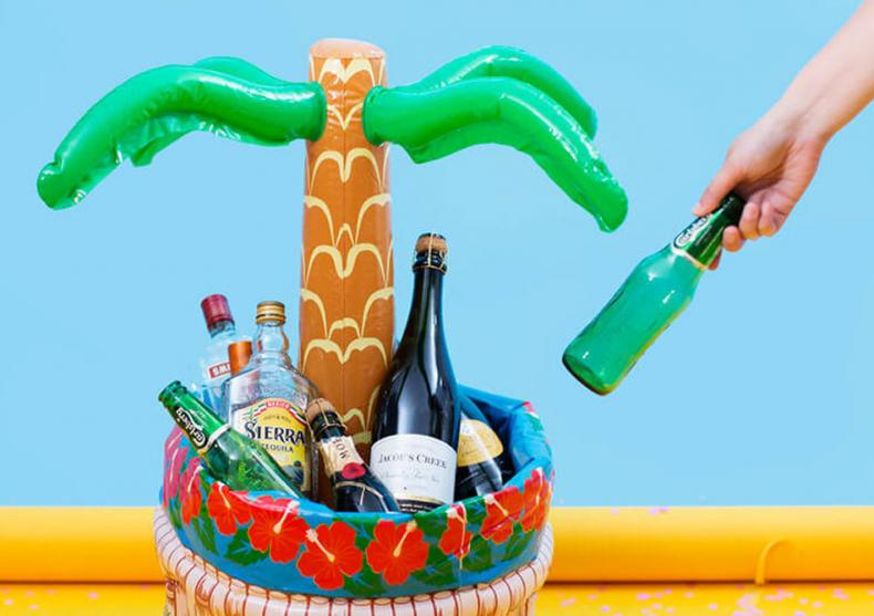 Palmier racitor de bauturi -- Cold drinks for hot parties  image