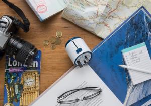 Adaptor world travel -- Fii conectat in toata lumea