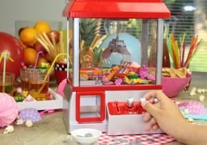 Candy Grabber -- Zi de nastere sau carnaval?