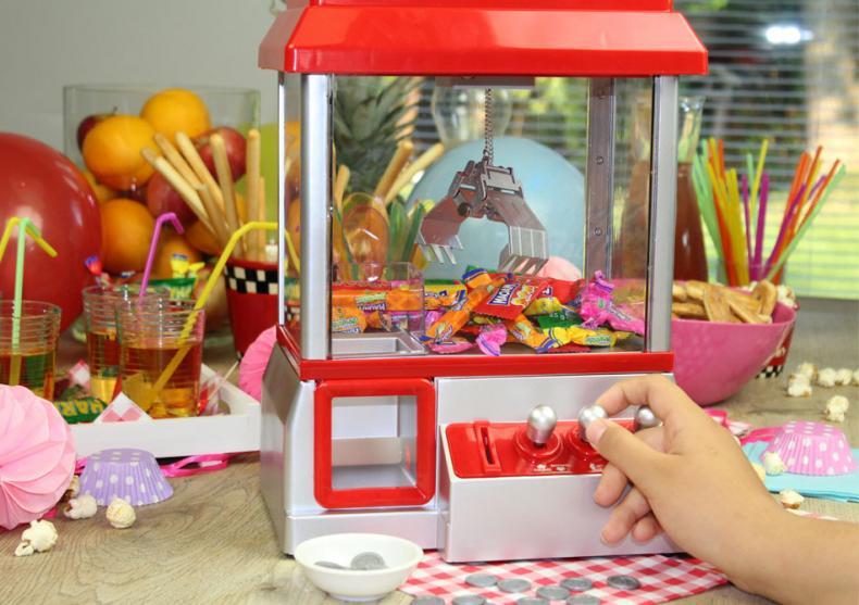 Candy Grabber -- Zi de nastere sau carnaval? image