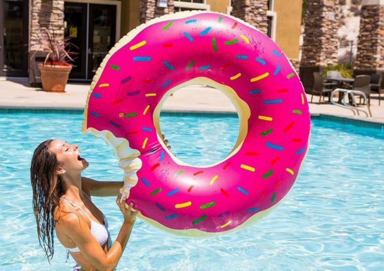 Gogoasa de piscina -- Gustul relaxarii image