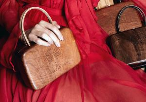 Yves Anais lemn couture -- Esenta timpului