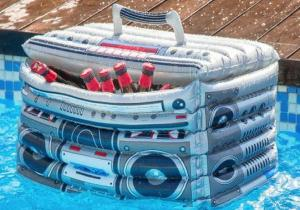 Boombox gonflabil -- Deruleaza caseta cu racoritoare