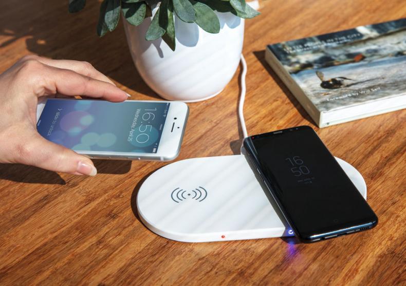 Incarcator wireless dublu -- Doi pentru unul, unul pentru doi image
