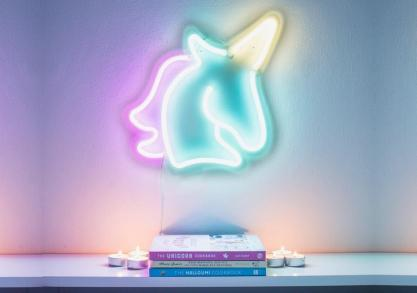 Lampa neon unicorn -- Glow with the flow
