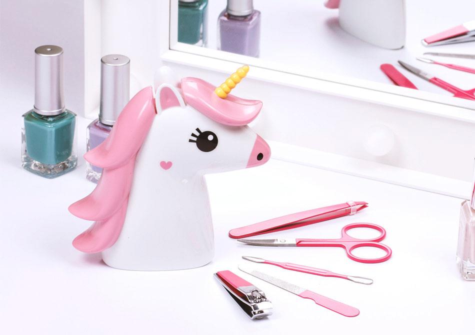 Set unicorn vanity -- Cine-i cea mai frumoasa din tara?