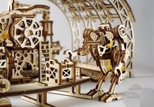 Fabrica de Roboti -- O minune a mecanicii de lemn