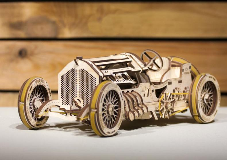 Masina U-9 Grand Prix -- Model retro chic image