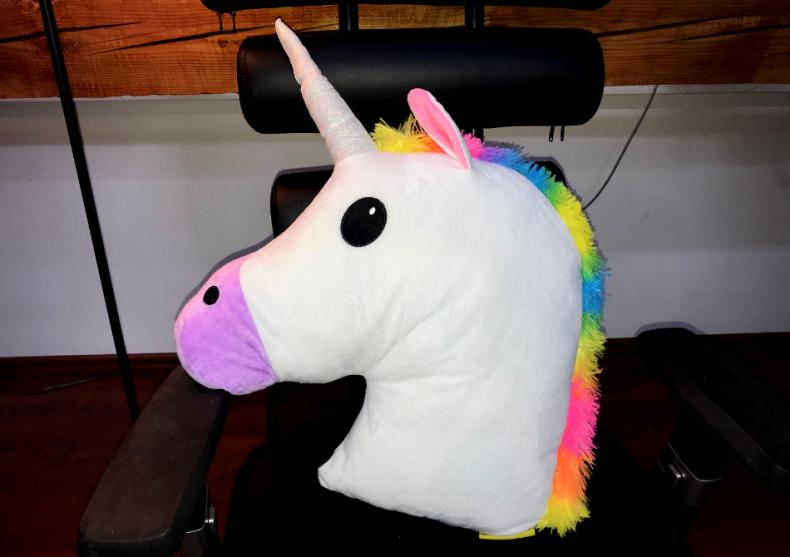 Perna Unicorn XXL -- Magie pufoasa image