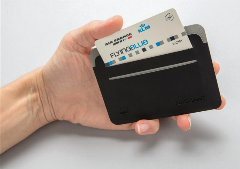 Cardholder Quebec RFID -- Te protejeaza de hoti image
