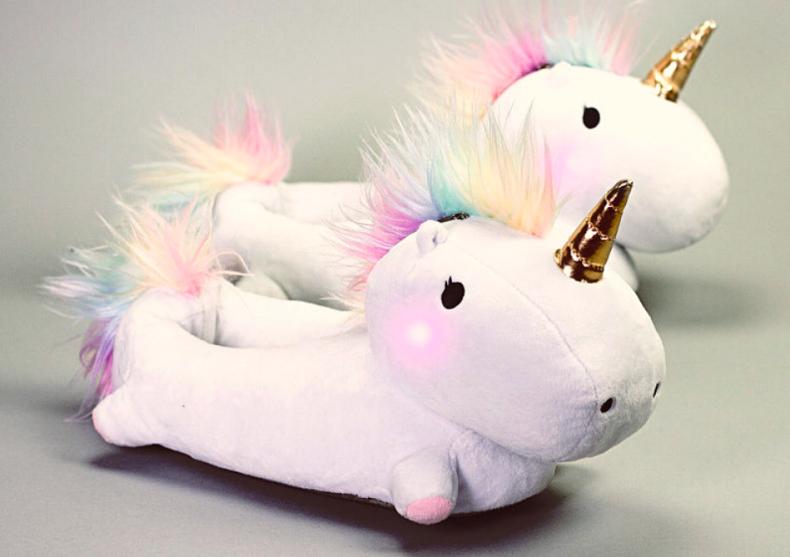 Papuci unicorni fermecati -- Mocasini mistici image