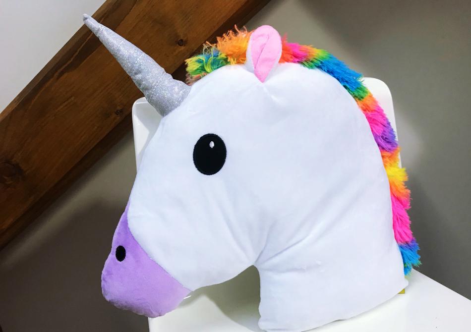 Perna Unicorn XXL -- Magie pufoasa