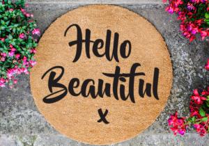 Covoras Hello Beautiful -- Pentru o stare de bine