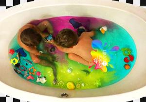 Fizzy Bath -- Coloreaza momentele de imbaiere